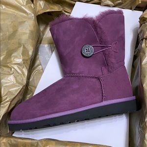 Bailey bow UGGS. Brand new with box.